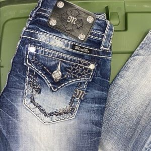 Brand new amazing Buckle Miss Me skinny jeans